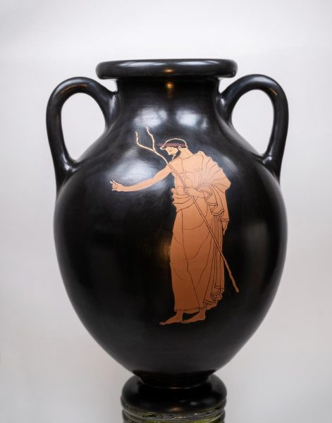 Red figure amphora by the Berlin painter -side B Winter 2019