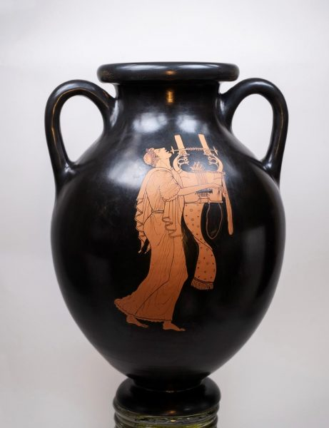 Red figure amphora by the Berlin painter -side A Winter 2019